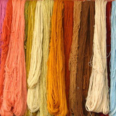 Thumbnail van Kledingafvalberg: greenwashing van circulair textiel?