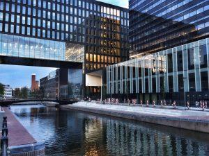Elsevier artikel   Amsterdam Economic Board